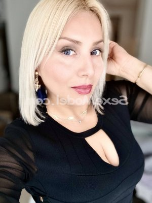 Chrystale escorte trans massage lovesita à Biarritz