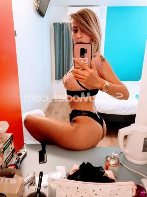 Rockia wannonce escorte girl