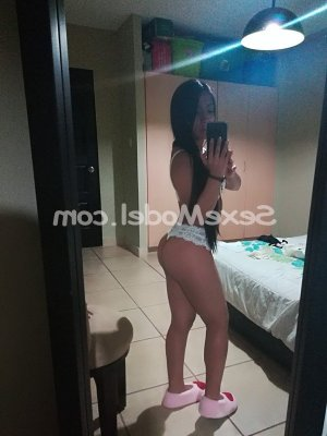 Roudaina escorte girl massage à Challes-les-Eaux